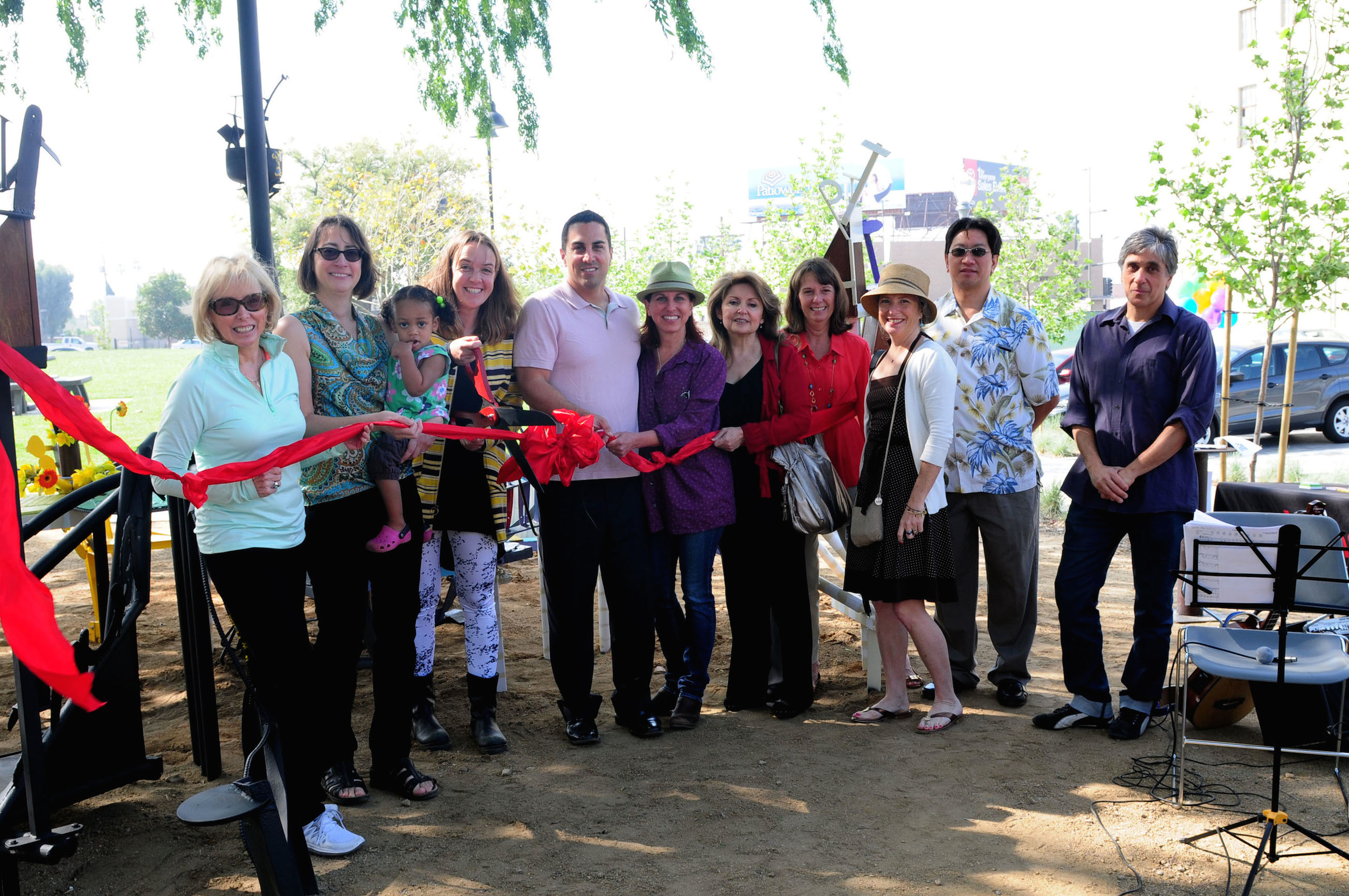17-Bridget-Beck-Ribbon-Cutting-Vince-Gonzales-Photo